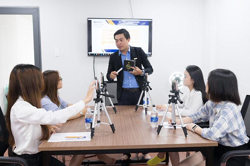 Trung Tâm Đào Tạo Livestream Bán Hàng NUU