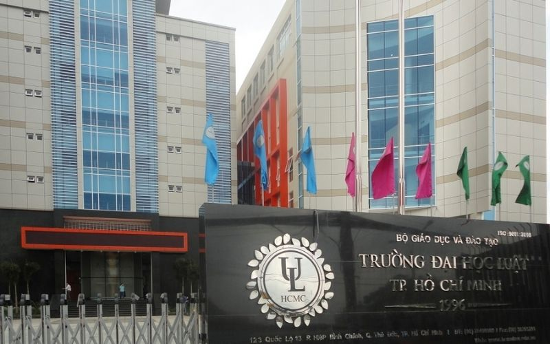 Đại học Luật TPHCM