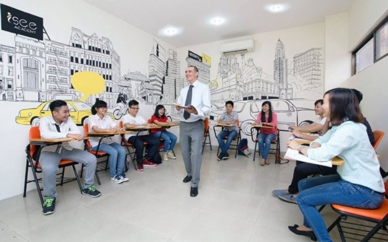 Học viên được học tập và giảng dạy bởi người bản xứ tại trung tâm ngoại ngữ Úc Châu