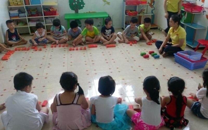 Bó mẹ có thể yên tâm khi gửi các bé tại mầm non Việt Mỹ - Hoàn Mỹ
