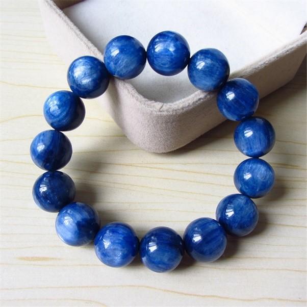 Mệnh mộc hợp đá màu xanh dương