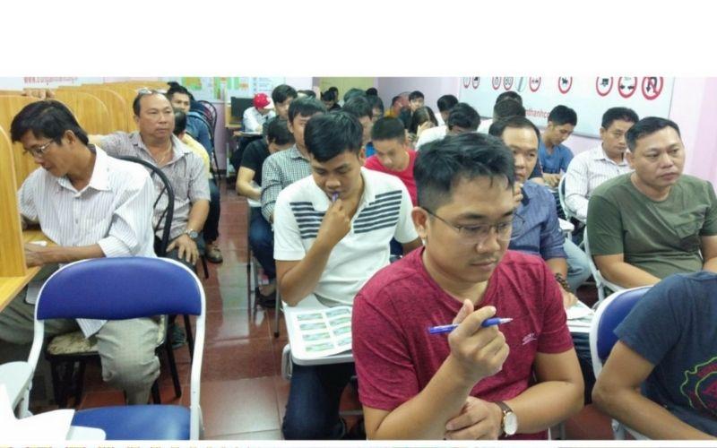 Trung tâm dạy lái xe bằng B1 Thành Công
