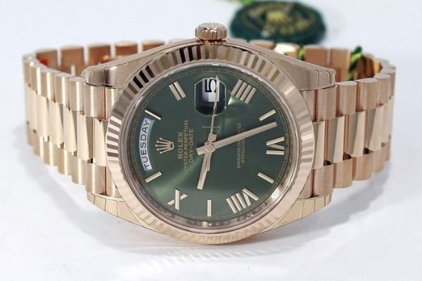 Đồng hồ cổ điển Automatic Oyster Perpetual Day Date: