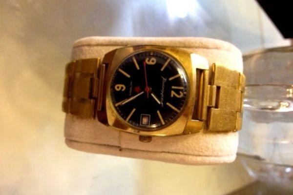 đồng hồ đeo tay cổ mạ vàng