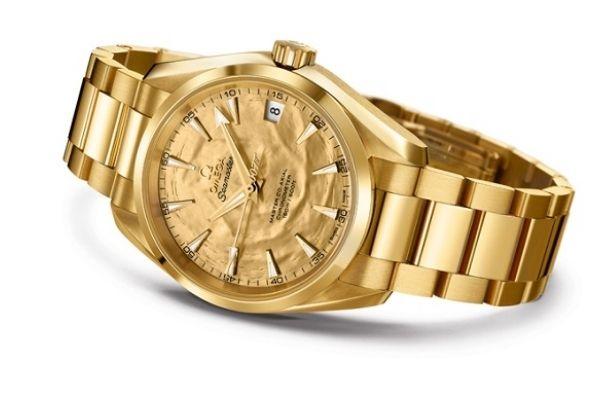 Đồng hồ vàng nguyên khối