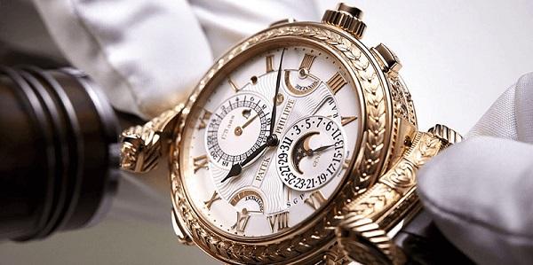 cách khắc phục đồng hồ mạ vàng bị phai màu