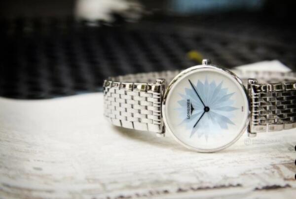 Đồng hồ nữ Longines L4.512.4.03.6