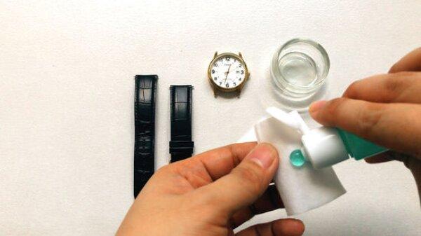 Dụng cụ để đánh bóng đồng hồ